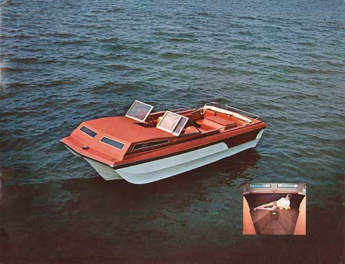 The DUO Capitan 20 with Tri Vee Hull - Seacrest White with Terra Cotta color scheme
