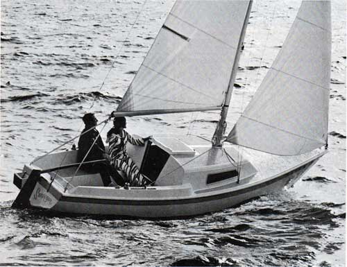 The New CAL 21 by Jensen Marine - Sailing in Open Waters