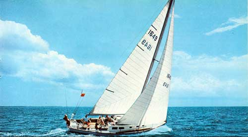 The CAL 40 Ocean Racer and Cruiser by Jensen Marine