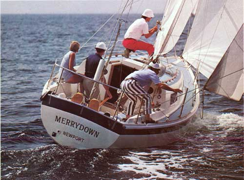 Bill Lapworth and his Crew aboard the MerryDown of Newport CAL 29 Yacht