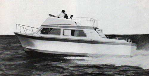 Luhrs 32 Fiberglass Sedan Cruiser