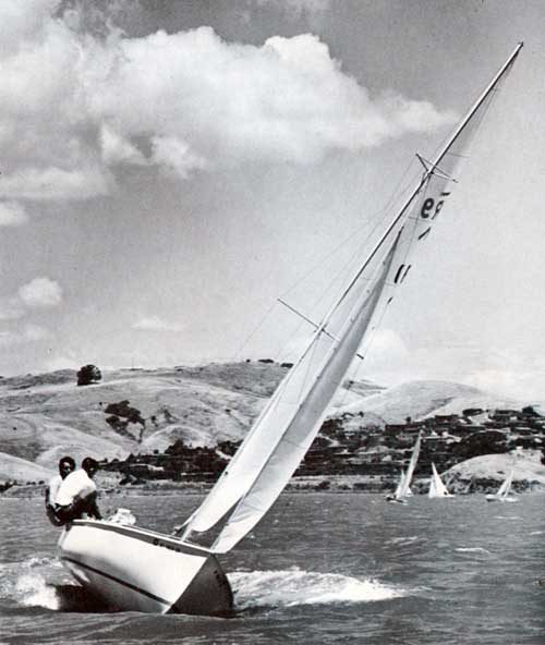 The beauty of sailing is highly visable on the Rhodes 19 Sailboat by O'Day