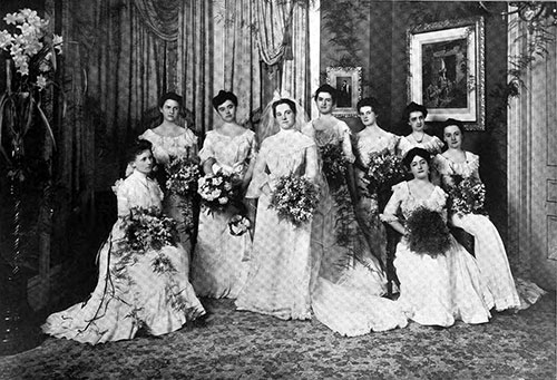 Bride and Bridesmaids – Pretty House Wedding in Chicago Society 1901