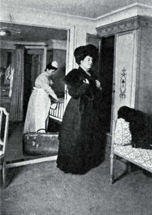 First Class Suite - Passenger with Maid