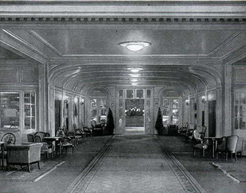 Lobby to The Main Saloon on B Deck