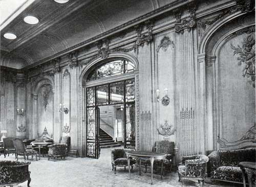 White Star Line Majestic - Entrance and Oak Paneling -- The Lounge