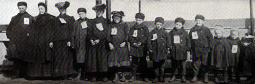 Another Dutch Family Of Thirteen - Immigrants At Ellis Island