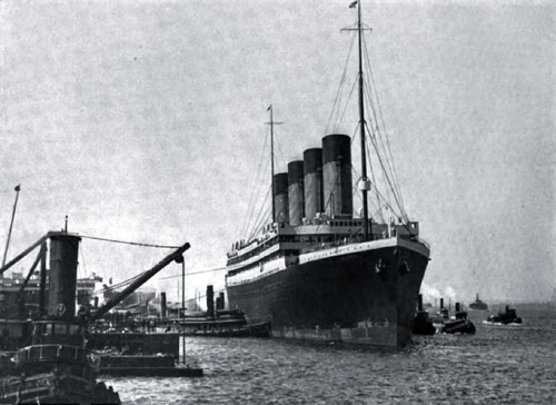 Photo01 - The Olympic Arriving At New York City - 21 June 1911 - Her Maiden Voyage