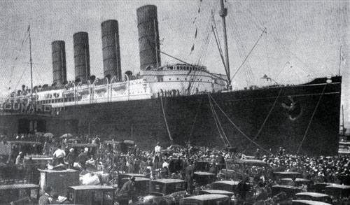Photo08 - Cunard Lusitania - On Arriving At Her Pier In New York