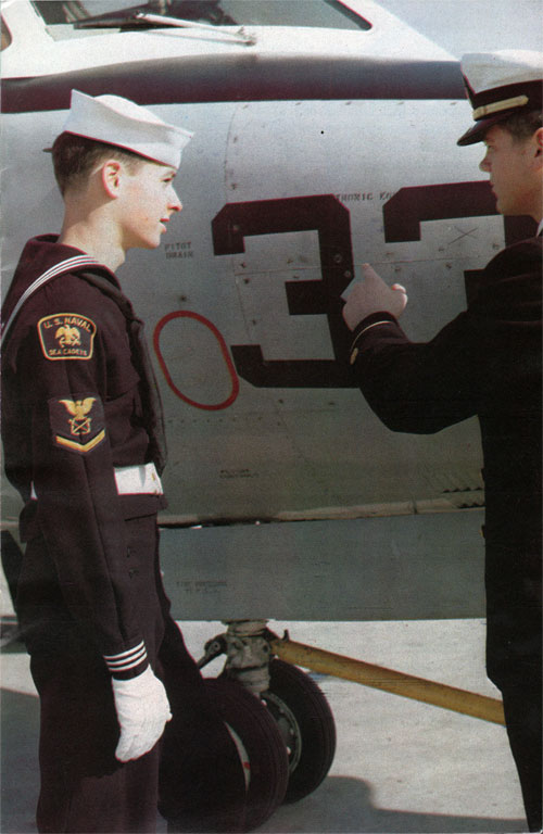 Cadets with air units train with Naval air reservists