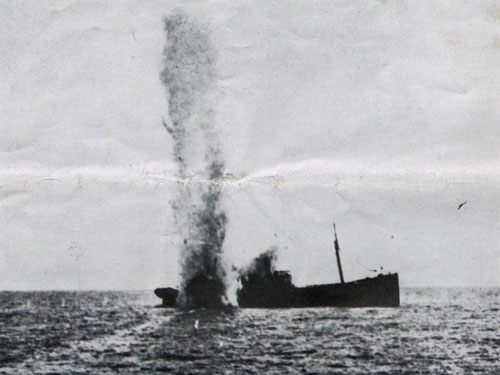 Torpedoing of a steamer by an Austro-Hungarian submarine during World War