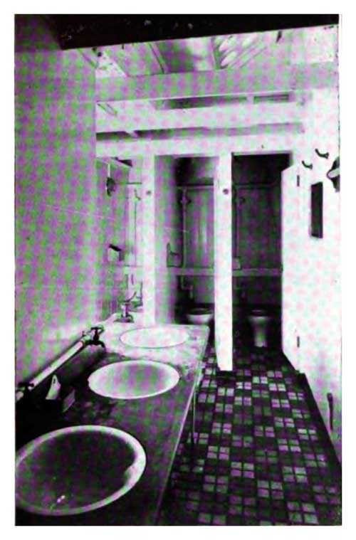 Women's Toilet and Bathroom on the SS Gothland