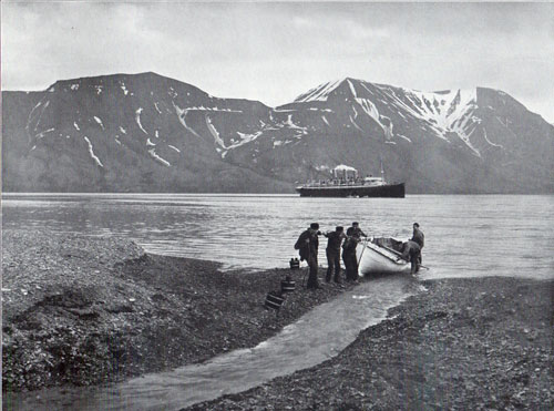Photo 079: The S.S. Auguste Victoria anchored in the harbor at Advent Bay, Spitsbergen