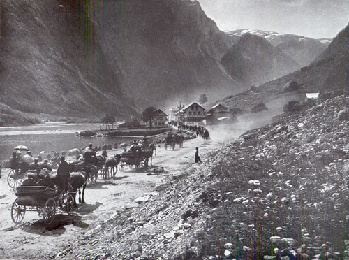 Photo 120: Departure from Gudvangen after Stalheim showing much traffic - all horse drawn vehicles.