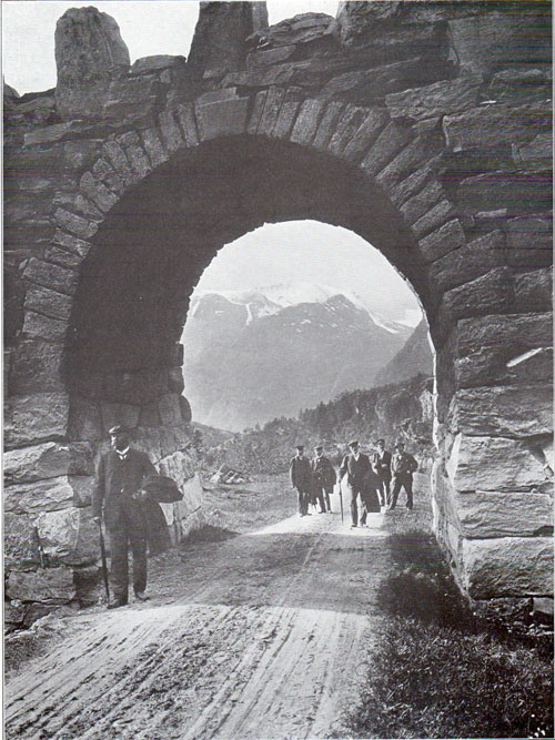 Photo 100: Country road at the village of Merok with the Roman inspired Arched bridge over the roadway.