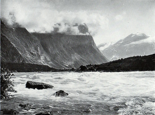 Photo 045: Water Rapids in Naes (Romsdal)