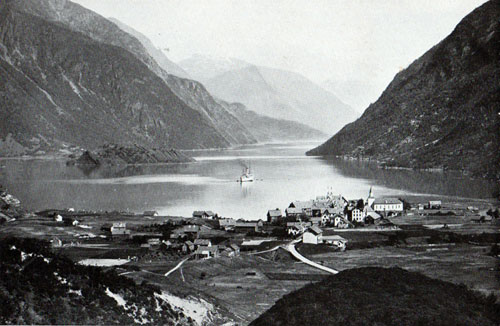 Photo 025: View of the harbor of Odda, Norway