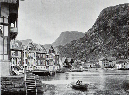 Photo 029: Hotels and waterfront buildings / homes in Odda Norway