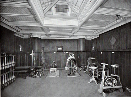 Photo 013: Gymnasium on the S.S. Prinzessin Victoria Luise