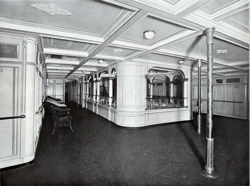 Photo 014: Inner promenade space on the S.S. Prinzessin Victoria Luise
