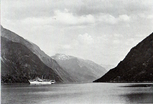 Photo 027: The S.S. Prinzessin Victoria Luise at Odda Fjord