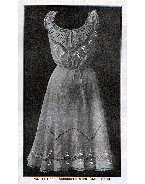 No. 11-4-36 Soubrette With Close Skirt