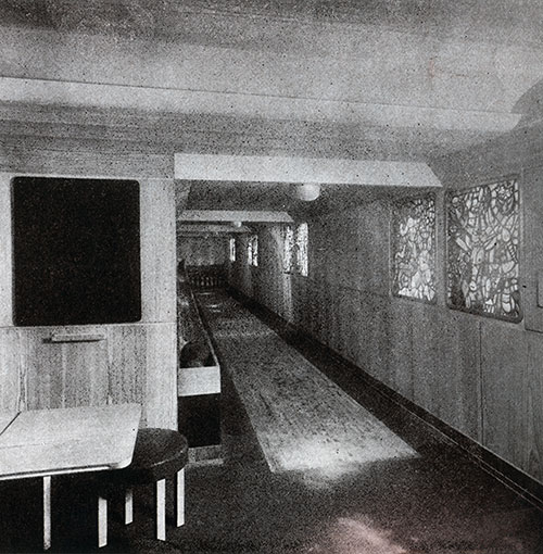 The Bowling Alley on the SS Bremen.
