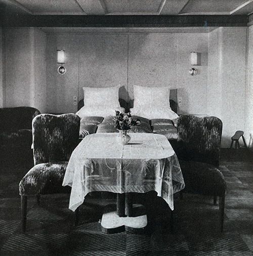 Deluxe Suite in First Class of the SS Bremen.