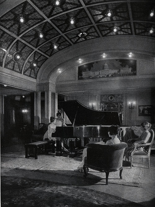 A Spacious Lounge Found on the SS George Washington.