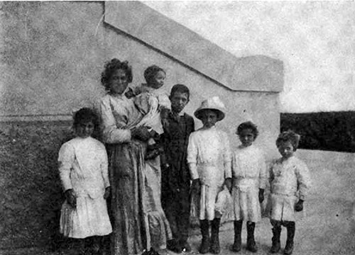 An Italian Immigrant Family -- a Mother and Five Children.