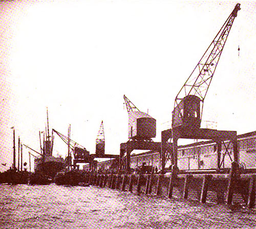 Electric Traveling Cranes for Handling Cargo on the Pier of the Rotterdam Lloyd.