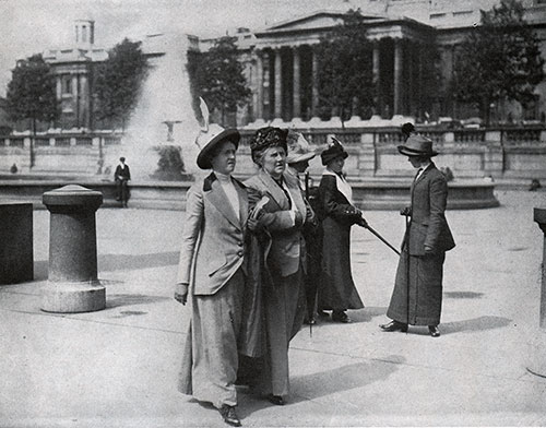 Women's Fashions on Trafalgar Square 1910.