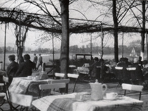 Café on the Havel.