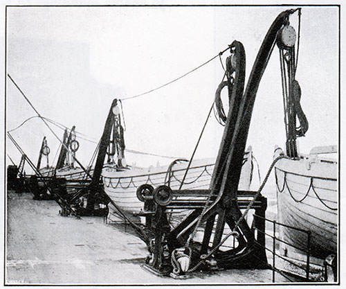 Fig. 143: Welin Double-Acting Boat Davits.