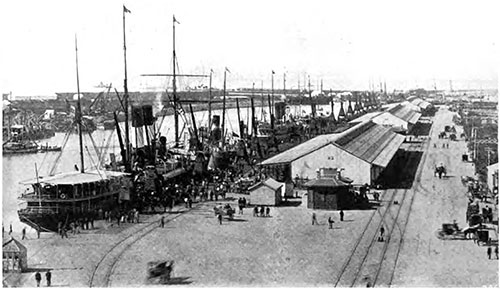 View of the Port of Buenos Aires circa 1907.