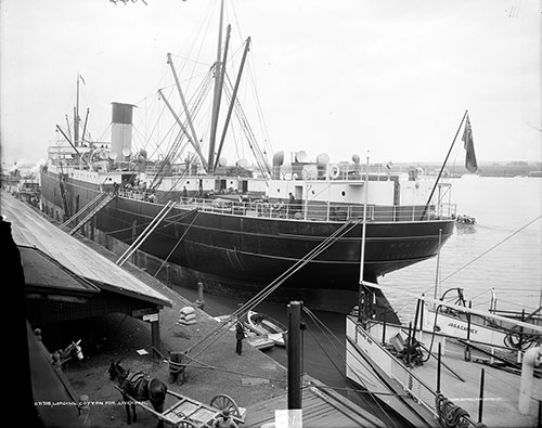 Steamship at the Liverpool Landing Stage circa 1910