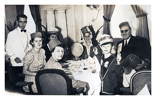 Passengers Dining on the SS President Harding Circa 1938.
