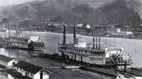 River steamers at Pittsburg